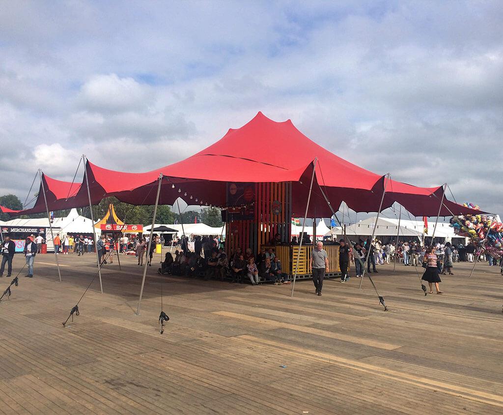 Tent voor verhuur aan evenement