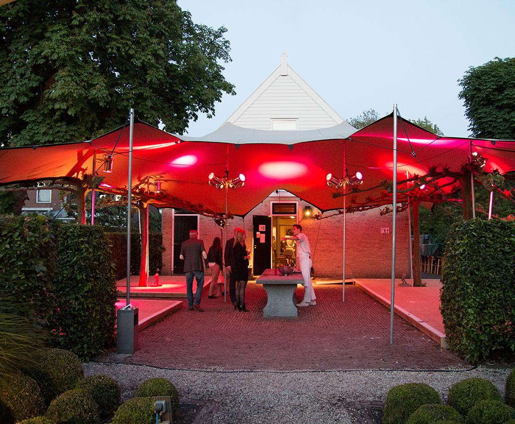 Exclusieve tent voor feest in tuin particulieren