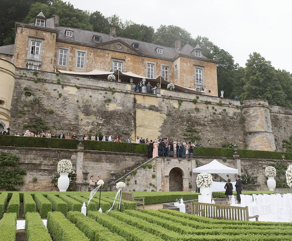 Stretchtent bij kasteel